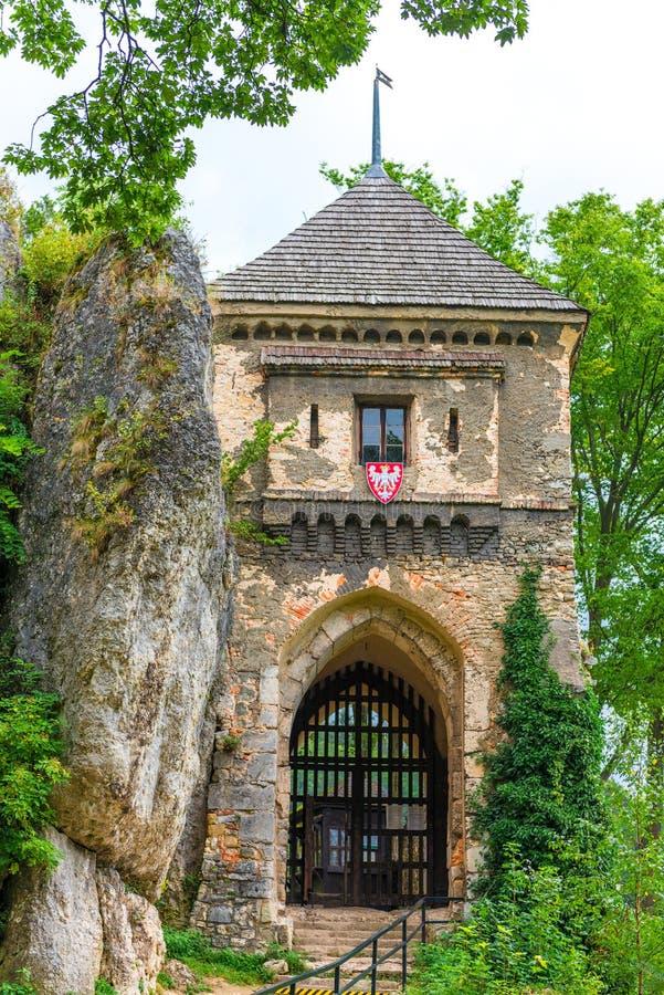 Το παλαιό Castle στο πάρκο Ojcow στοκ φωτογραφία