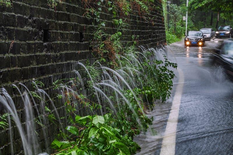 Το παράξενο φαινόμενο οβελών δράκων στον τοίχο του Ναντζίνγκ Mingcheng στοκ εικόνες με δικαίωμα ελεύθερης χρήσης