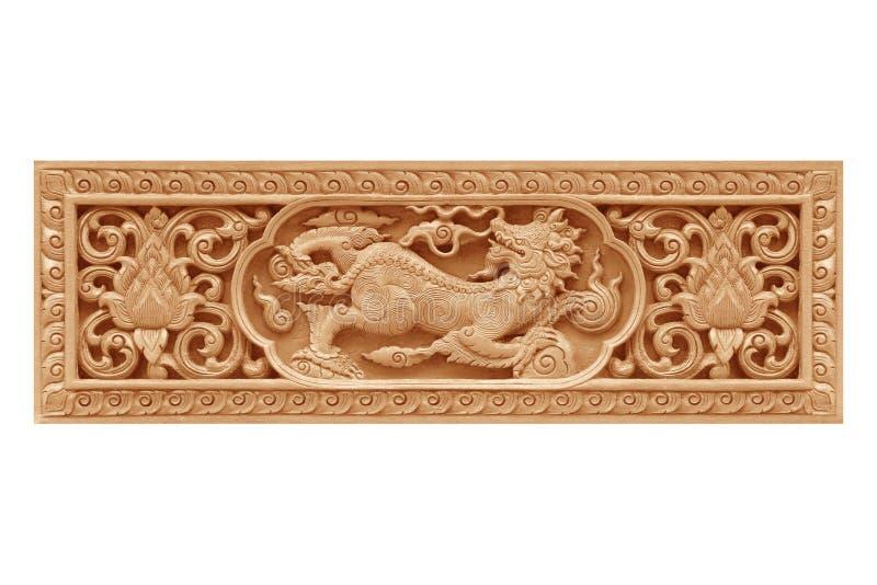 Το παραδοσιακό ταϊλανδικό λιοντάρι σχεδίων ύφους ή το ξύλο singha χαράζει στοκ εικόνα