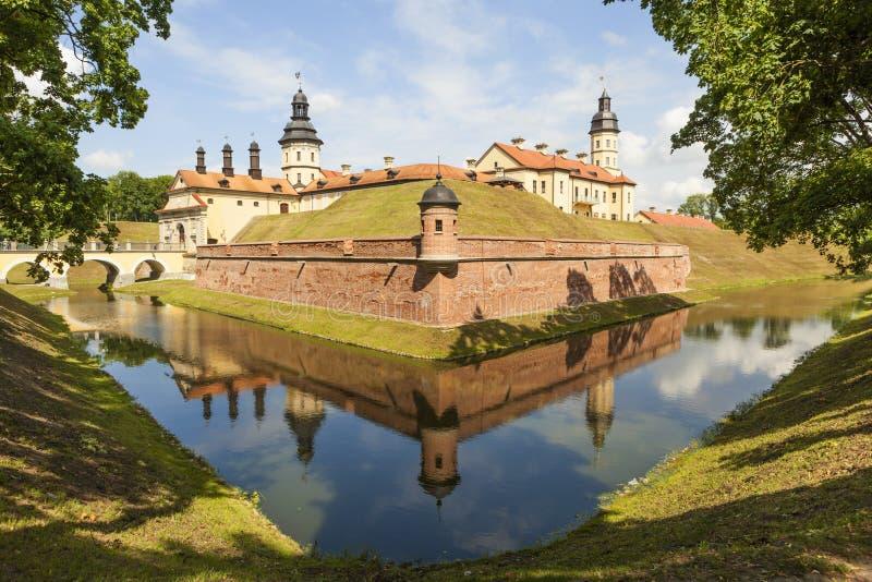 Το παλάτι και το κάστρο σύνθετα - Nesvizh Castle belatedness στοκ φωτογραφία με δικαίωμα ελεύθερης χρήσης