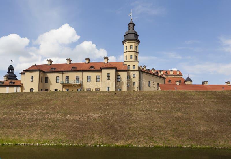 Το παλάτι και το κάστρο σύνθετα - Nesvizh Castle belatedness στοκ εικόνες