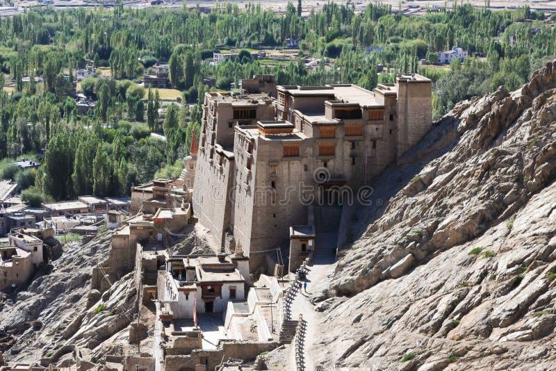Το παλάτι στην πόλη Leh, Ladakh, Ινδία στοκ εικόνες