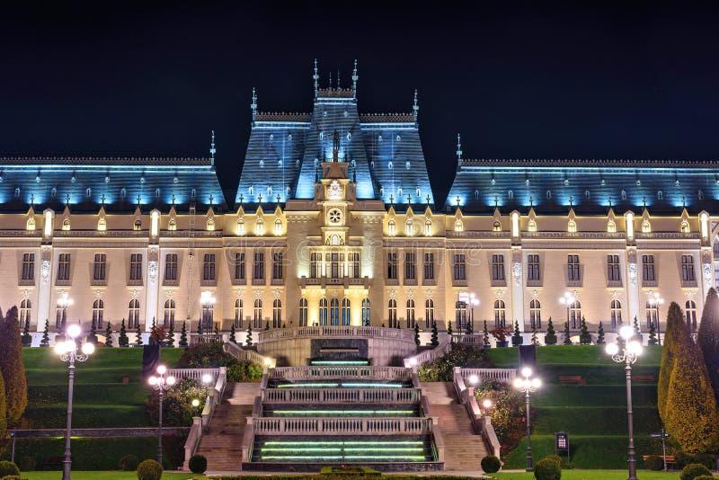 Το παλάτι του οικοδομήματος πολιτισμού σε Iasi, Ρουμανία Όμορφο ορόσημο αρχιτεκτονικής που χτίζεται το 1906-1925 δεμένη όψη σκαφώ στοκ εικόνες με δικαίωμα ελεύθερης χρήσης