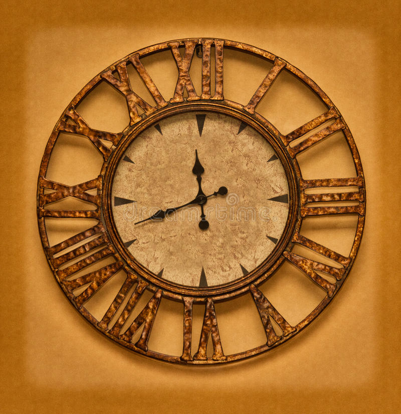 Το παλαιό ρολόι στο υπόβαθρο grunge. Χρόνος που σταματούν απεικόνιση αποθεμάτων