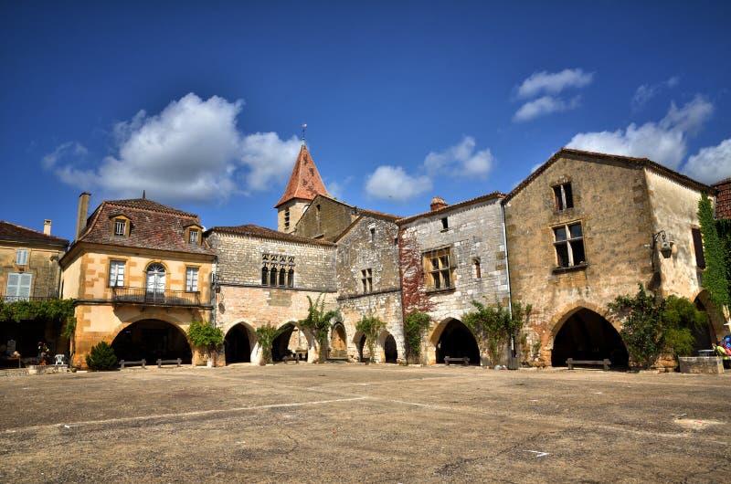 Το παλαιό bastide Monpazier, Dordogne, Γαλλία στοκ φωτογραφία