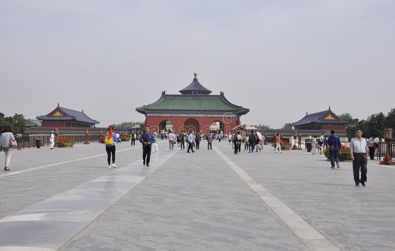 Το Πεκίνο, 7ο μπορεί: Κόκκινες πόρτα και αψίδα εισόδων στο ναό του ουρανού στο Πεκίνο στοκ φωτογραφία με δικαίωμα ελεύθερης χρήσης