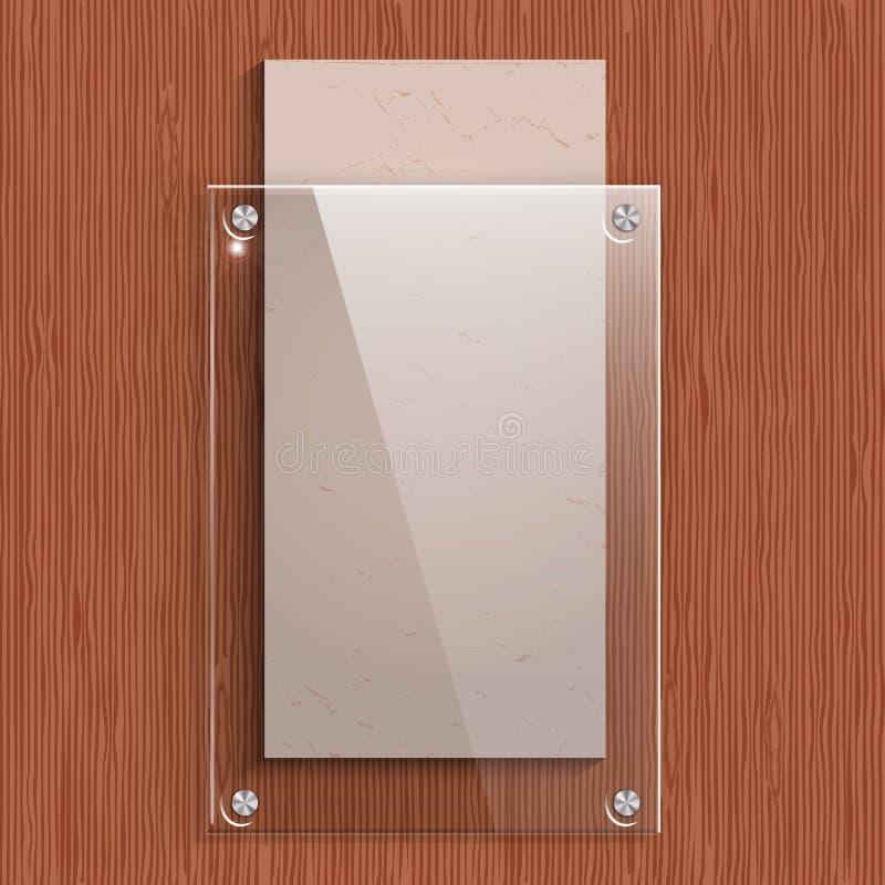 Το πιάτο γυαλιού με ένα έγγραφο για το υπόβαθρο της ξύλινης σύστασης μαονιού ελεύθερη απεικόνιση δικαιώματος