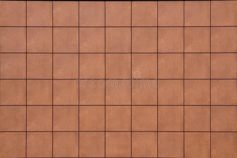 Το πολλαπλάσιο έβαλε symmetrically τα ίδια μεγέθους τετράγωνα κεραμιδιών πετρών διακοσμήσεων στοκ φωτογραφία με δικαίωμα ελεύθερης χρήσης