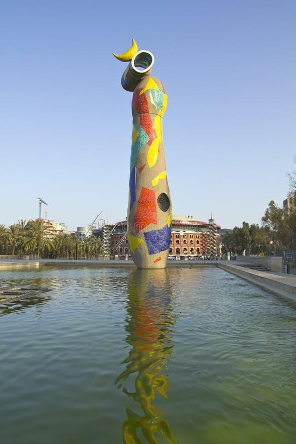 Το πουλί γυναικών αγαλμάτων, Joan Miro Βαρκελώνη στοκ εικόνες