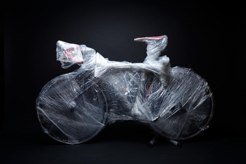 Το ποδήλατο συσκευάζεται από τη στρέβλωση φυσαλίδων για τη μεταφορά στοκ φωτογραφίες με δικαίωμα ελεύθερης χρήσης