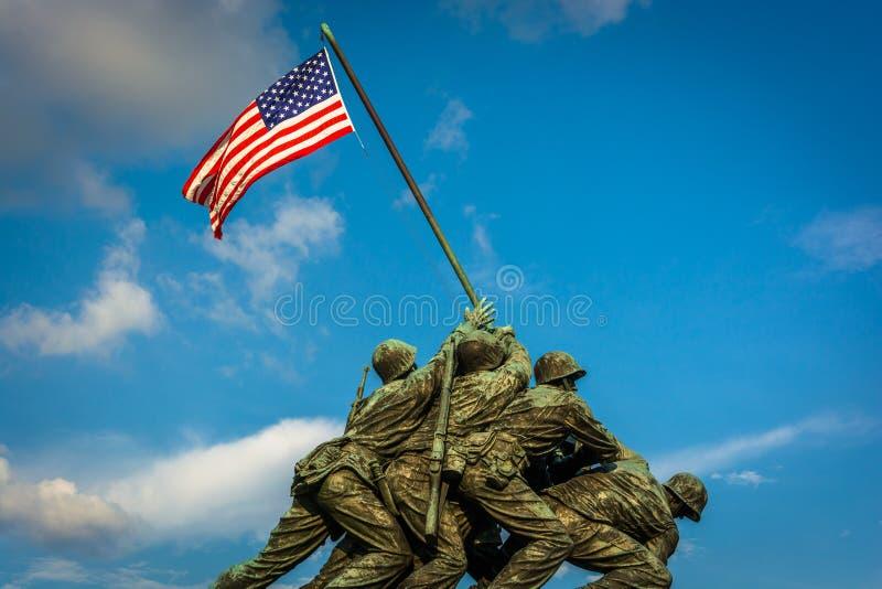 Το πολεμικό μνημείο αμερικανικού Στρατεύματος Πεζοναυτών στο Άρλινγκτον, Βιρτζίνια στοκ φωτογραφίες με δικαίωμα ελεύθερης χρήσης