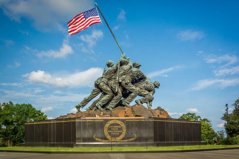 Το πολεμικό μνημείο αμερικανικού Στρατεύματος Πεζοναυτών στο Άρλινγκτον, Βιρτζίνια στοκ εικόνα με δικαίωμα ελεύθερης χρήσης