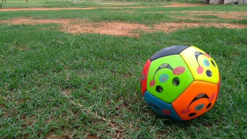 το ποδόσφαιρο αφήνει το παιχνίδι στοκ εικόνα