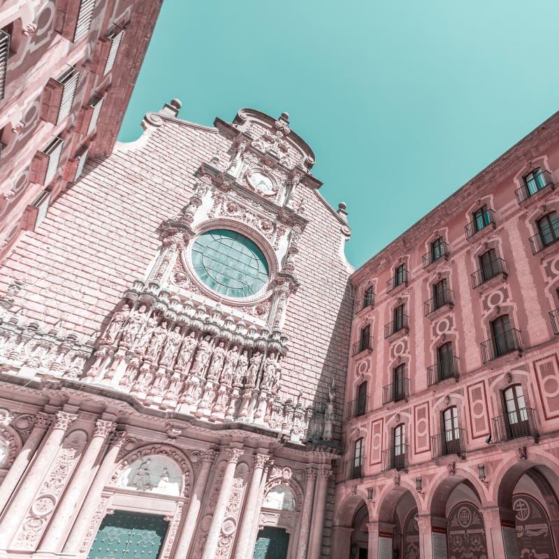 Το προαύλιο του Benedictine μοναστηριού της Σάντα Μαρία de Μοντσερράτ στοκ εικόνες