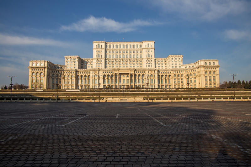 Το ρουμανικό Κοινοβούλιο (Casa Poporului) στοκ εικόνα