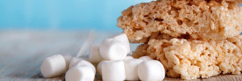Το ρύζι τριζάτο μεταχειρίζεται με Marshmallows στοκ φωτογραφία με δικαίωμα ελεύθερης χρήσης
