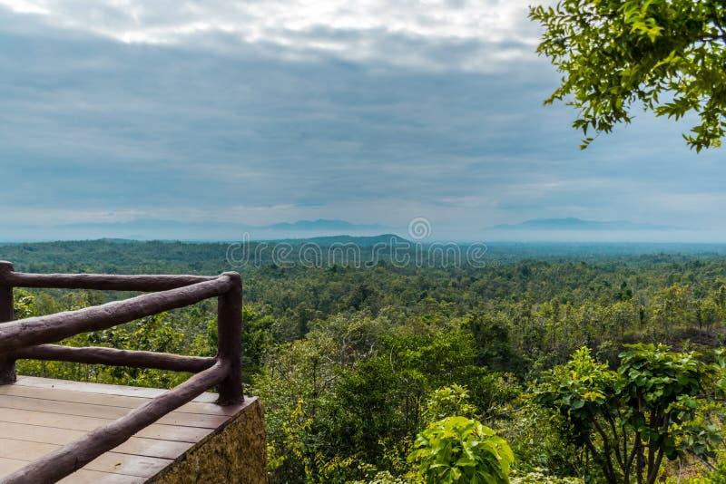 Το σημείο άποψης του τοπίου στο εθνικό πάρκο Pha Chor, Chiang Mai, Ταϊλάνδη στοκ φωτογραφίες