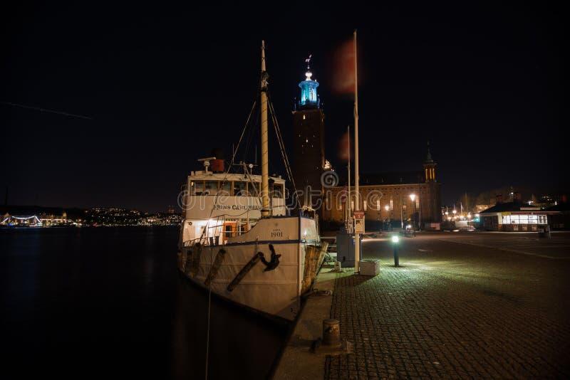 Το σκάφος σε ένα υπόβαθρο της βασιλικής αίθουσας στη Στοκχόλμη Σουηδία 05 11 2015 στοκ φωτογραφία