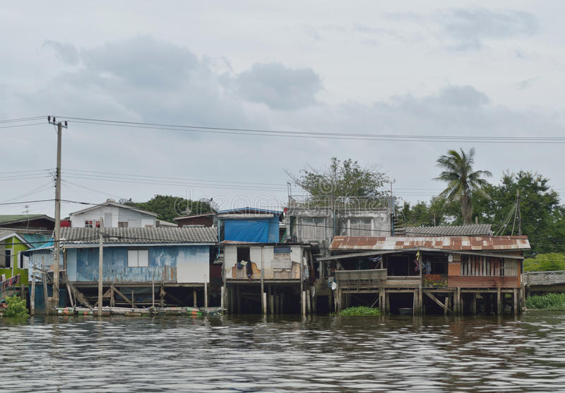 Το σπίτι riverfront στη Μπανγκόκ στοκ φωτογραφία με δικαίωμα ελεύθερης χρήσης