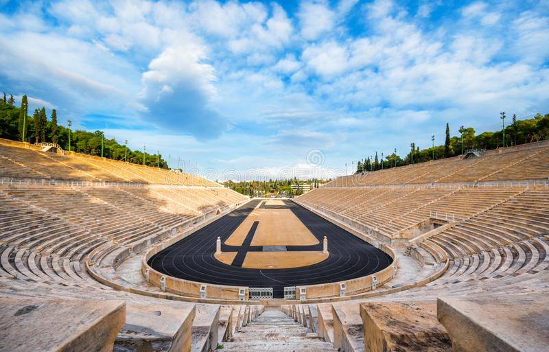 Το στάδιο Panathenaic στην Αθήνα, Ελλάδα φιλοξένησε τους πρώτους σύγχρονους Ολυμπιακούς Αγώνες το 1896, επίσης γνωστούς ως Kalima στοκ εικόνες