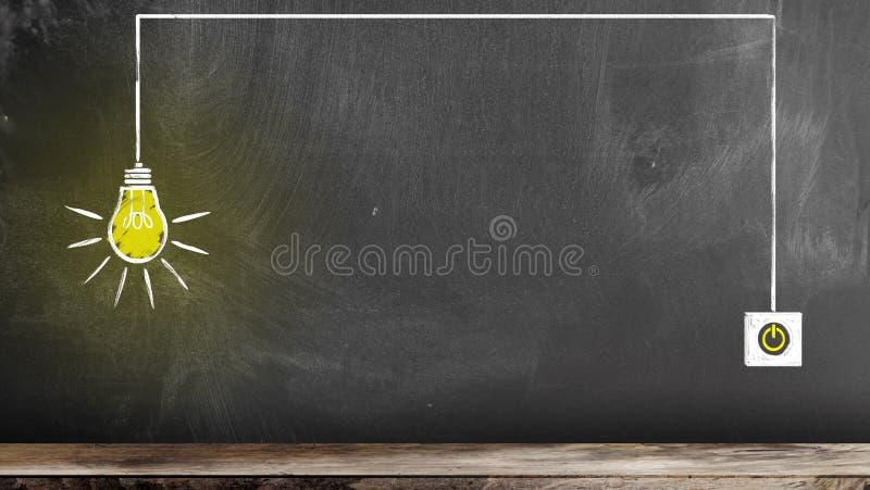 Το σχέδιο κιμωλίας της καμμένος λάμπας φωτός και ανάβει τον πίνακα κιμωλίας στοκ εικόνες