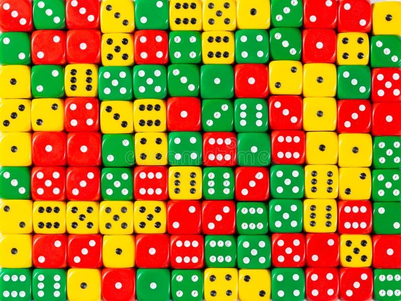 Το σχέδιο υποβάθρου τυχαίος διαταγμένου κόκκινος, πράσινος και κίτρινος χωρίζει σε τετράγωνα στοκ φωτογραφία