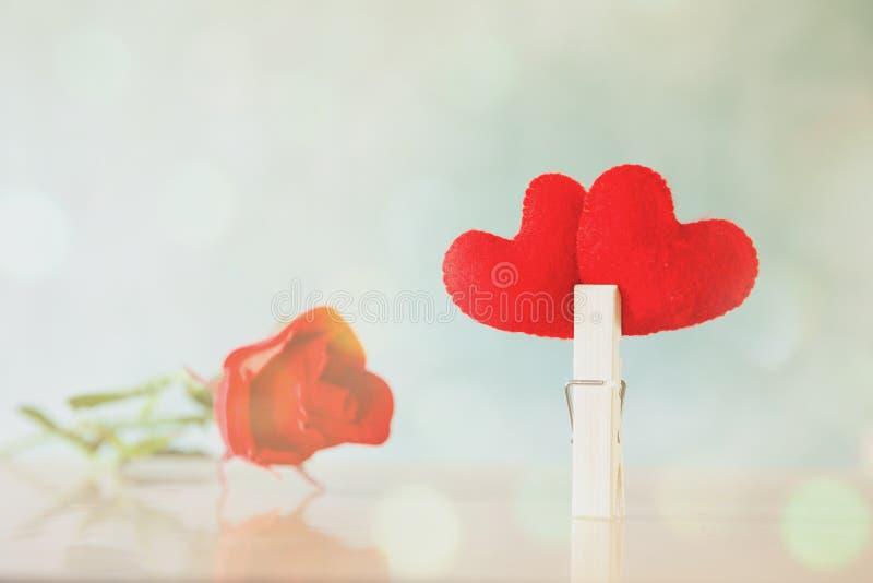 Το σύμβολο της καρδιάς είναι ένα σύμβολο στο υπόβαθρο για την περίπτωση στοκ εικόνα με δικαίωμα ελεύθερης χρήσης