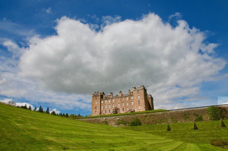 Το σύννεφο επάνω από το κάστρο στοκ εικόνα