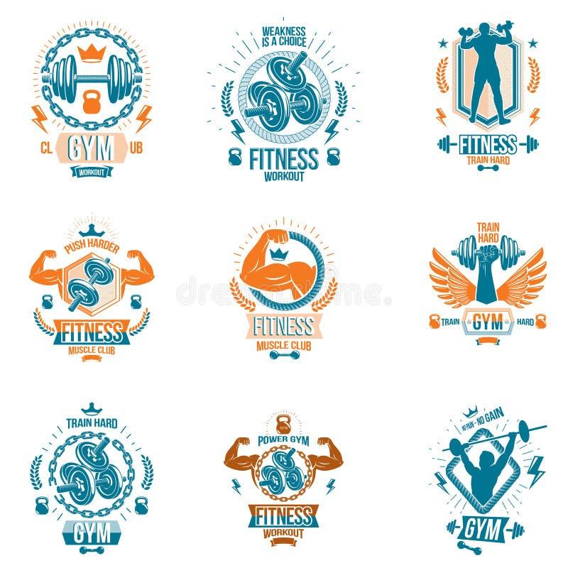 Το σύνολο διανυσματικών bodybuilding εμβλημάτων θέματος και αφισών διαφήμισης σύνθεσε τη χρησιμοποίηση των αλτήρων, barbells, αθλ ελεύθερη απεικόνιση δικαιώματος