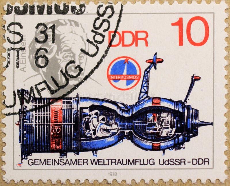 Το ταχυδρομικό γραμματόσημο της ΟΔΓ απεικονίζει την κοινή διαστημική πτήση στοκ φωτογραφίες με δικαίωμα ελεύθερης χρήσης