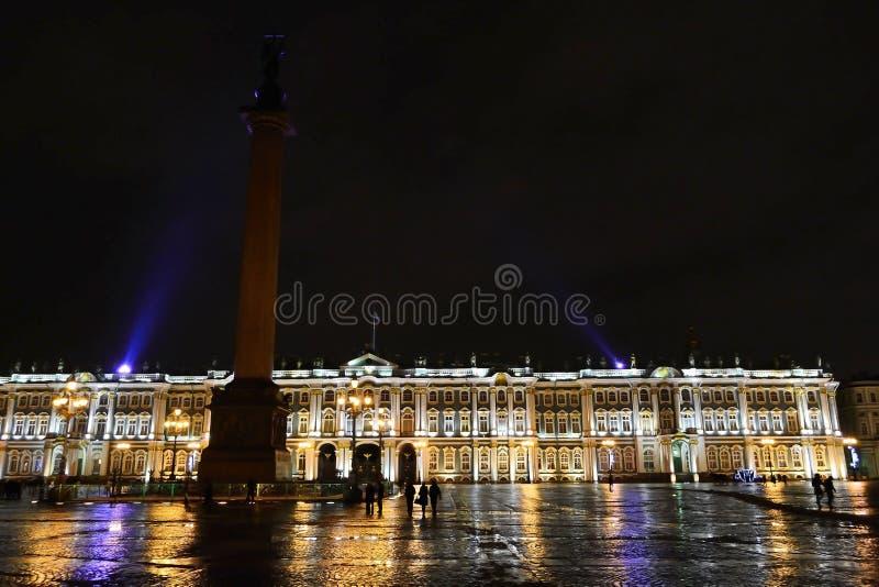 Download Το τετράγωνο παλατιών τη νύχτα Εκδοτική Στοκ Εικόνες - εικόνα από ιστορικός, λένινγκραντ: 22789603