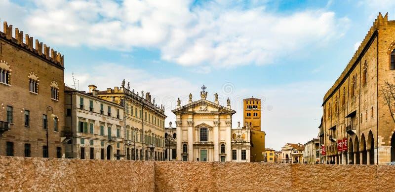 Το τετράγωνο σε Mantua στοκ φωτογραφία