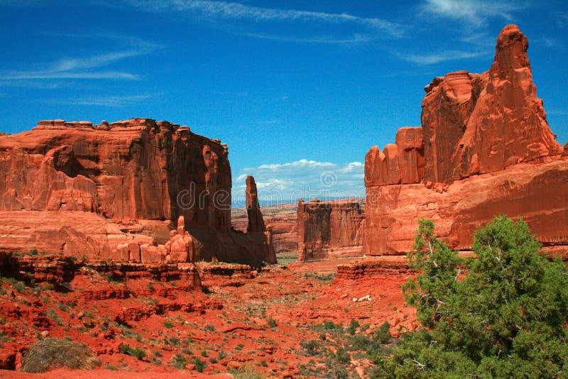 Το τμήμα λεωφόρων πάρκων σχηματίζει αψίδα το εθνικό πάρκο Moab Γιούτα στοκ φωτογραφία με δικαίωμα ελεύθερης χρήσης