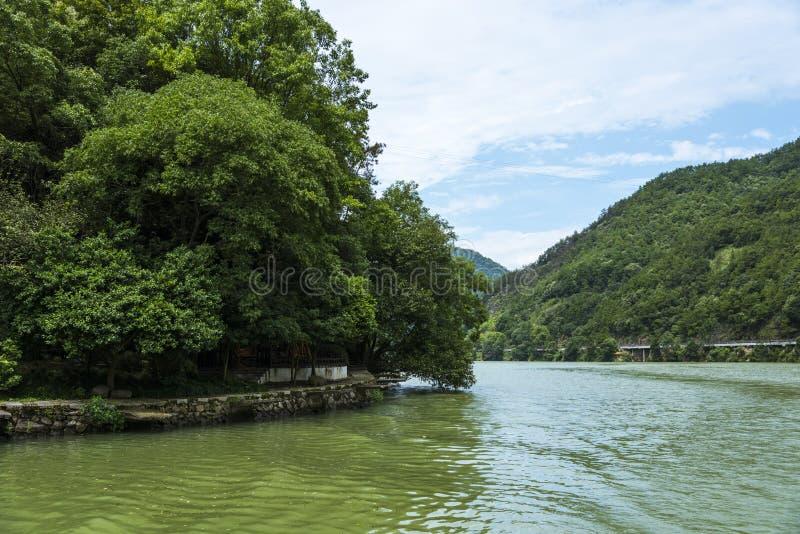 Download Το τοπίο μίγματος πυλών Jiangnan Drangen Στοκ Εικόνες - εικόνα από ταξίδι, πεζοδρόμιο: 62712730