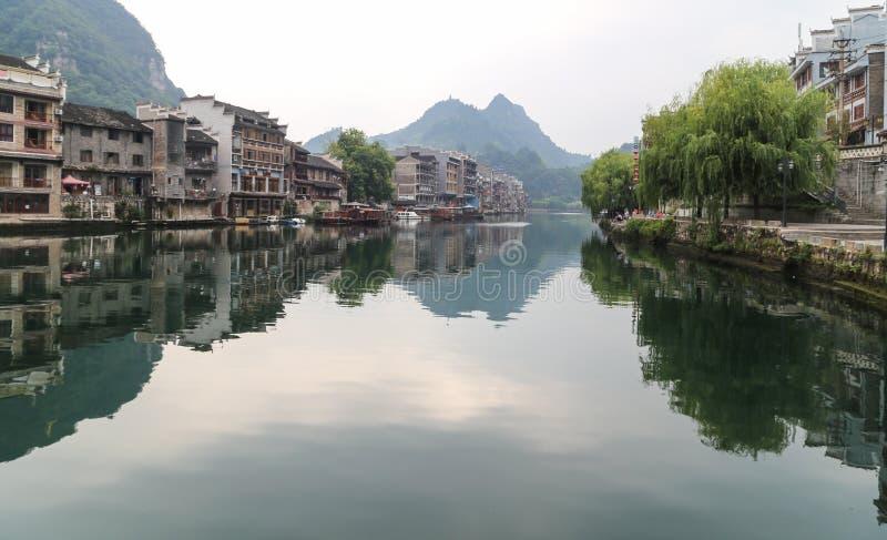 Το τοπίο στη zhenyuan αρχαία πόλη, guizhou, Κίνα στοκ φωτογραφίες