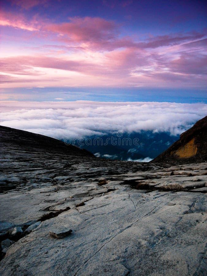 το τοπίο kinabalu γρανίτη επικολλά το βουνό στοκ εικόνα