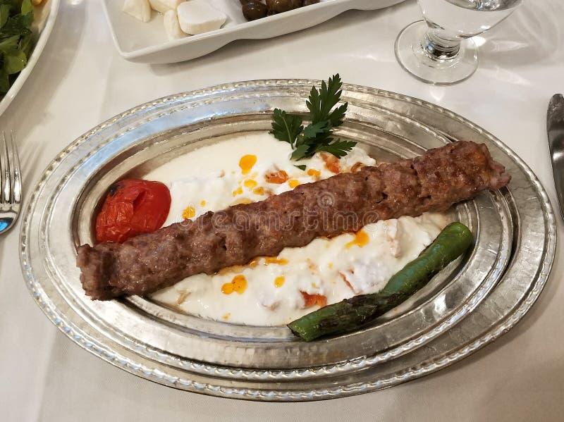 Το τουρκικό adana, urfa, alinazik σουβλίζει shish kebab στοκ εικόνες