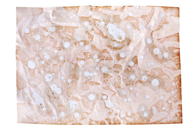 Το τσαλακωμένο παλαιό καφετί έγγραφο για το άσπρο υπόβαθρο απομόνωσε κοντά επάνω με το plase κειμένων, ζαρωμένο βρώμικο κενό φύλλ στοκ εικόνα με δικαίωμα ελεύθερης χρήσης