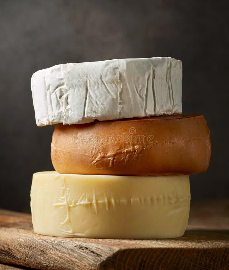 το τυρί δακτυλογραφεί διάφορο στοκ εικόνα με δικαίωμα ελεύθερης χρήσης