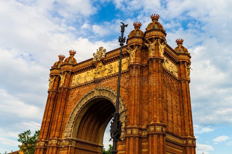 Το τόξο de Triomf είναι μια θριαμβευτική αψίδα στην πόλη της Βαρκελώνης στην Καταλωνία, Ισπανία Θριαμβευτική αψίδα στη Βαρκελώνη στοκ φωτογραφίες