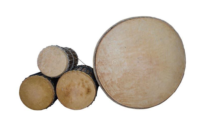 Το τύμπανο Puja (lanna) έθεσε απομονωμένος στο άσπρο υπόβαθρο στοκ φωτογραφία με δικαίωμα ελεύθερης χρήσης