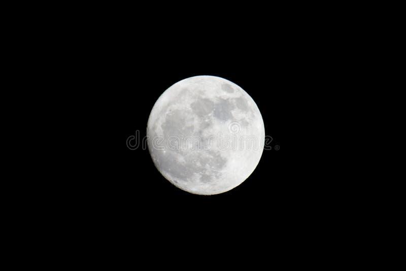 Το φεγγάρι… σε μια νεφελώδη νύχτα στοκ εικόνες
