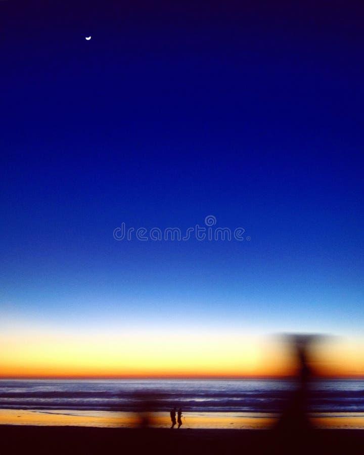 Το φεγγάρι της ειρηνικής παραλίας στοκ εικόνες