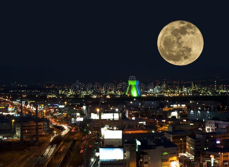 Download Το φεγγάρι στοκ εικόνα. εικόνα από καπνοί, χάιφα, σύγχρονος - 22782639