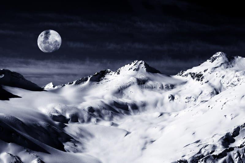 το φεγγάρι elbrus επικολλά στοκ φωτογραφίες
