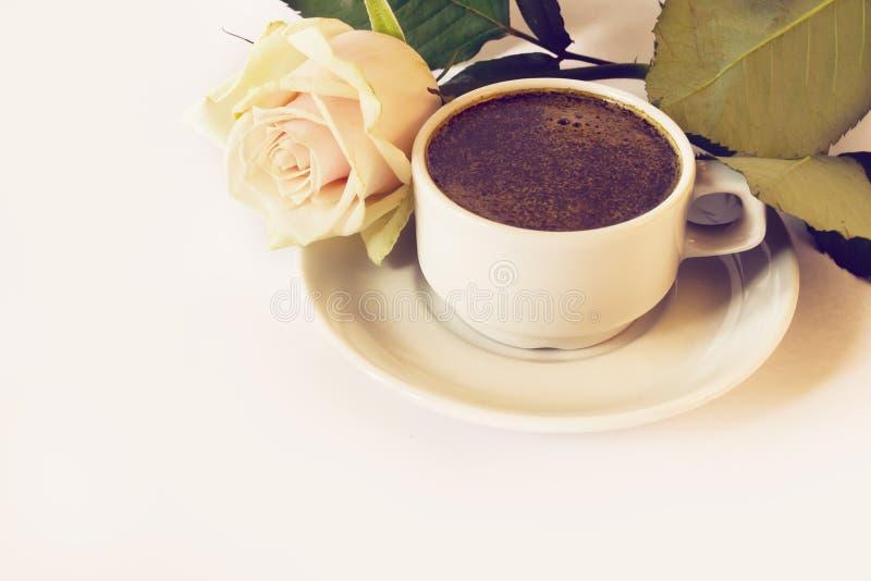 το φλυτζάνι καφέ αυξήθηκε στοκ εικόνες με δικαίωμα ελεύθερης χρήσης