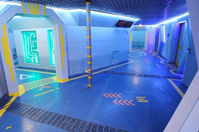Το φουτουριστικό τελικό εσωτερικό του διαστημικού σταθμού στοκ εικόνα με δικαίωμα ελεύθερης χρήσης