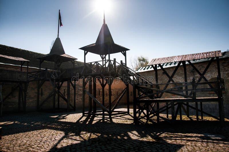 Το φρούριο του Κίεβου - Kosyi Caponier Φωτογράφιση στο kontrovy φως r στοκ εικόνα με δικαίωμα ελεύθερης χρήσης