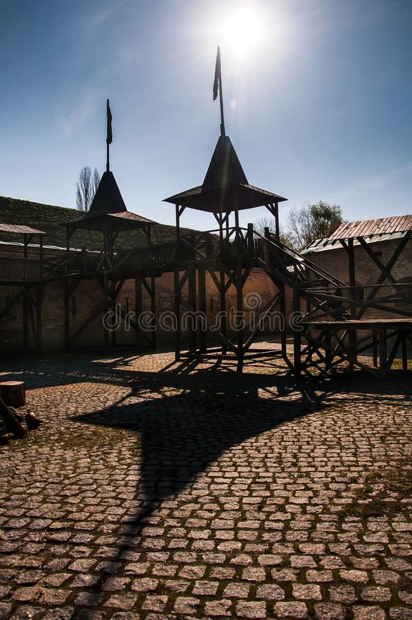 Το φρούριο του Κίεβου - Kosyi Caponier Φωτογράφιση στο kontrovy φως r στοκ φωτογραφίες