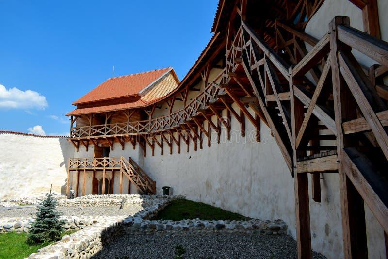 Το φρούριο Feldioara χτίστηκε πριν από 900 χρόνια από τους τευτονικούς ιππότες στο χωριό Feldioara, Marienburg, Ρουμανία στοκ εικόνα με δικαίωμα ελεύθερης χρήσης